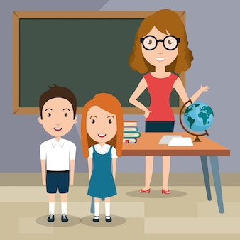 Lehrerin mit schülern im klassenzimmer