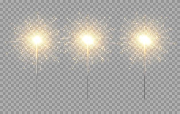 Leichte wunderkerzendekoration. feiertag wunderkerze feuerwerk hintergrund isoliert bengalen helles licht
