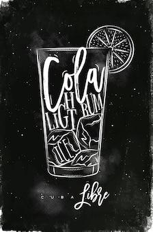 Leichter rum-cocktail mit schriftzug auf tafelart