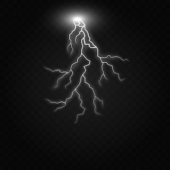 Leistungsstarke elektrische entladung, die von seite zu seite realistische darstellung trifft, lokalisiert auf schwarzem transparentem hintergrund. flammender blitzschlag in der dunkelheit. blitzlichteffekt für elektrische energie