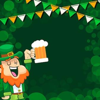 Leprechaun jubelt ein bier beim saint patrick day festival