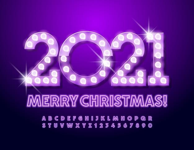 Leuchtende begrüßung frohe weihnachten mit glühbirne violett neon schrift. alphabet buchstaben und zahlen eingestellt