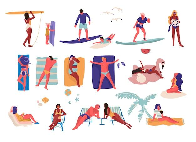 Leute am strand. zeichentrickfiguren, die sommeraktivitäten durchführen, surfen und sich sonnen. outdoor-urlaubssammlung mit sitzendem kerl und mädchen auf sonnenliegen