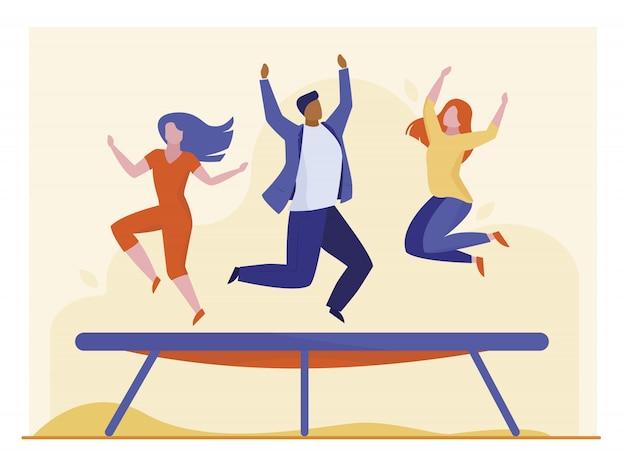 Leute, die auf trampolin springen