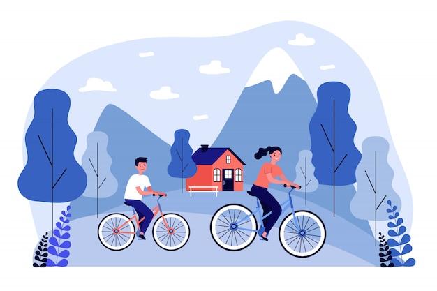 Leute, die draußen fahrrad fahren Premium Vektoren