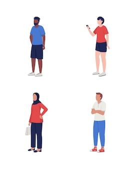 Leute, die in der warteschlange halbflacher farbvektorzeichensatz warten multirassische figuren. ganzkörpermenschen auf weiß. kunden isolierten moderne cartoon-stil-illustration für grafikdesign und animation