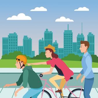 Leute mit fahrradskateboard und -roller