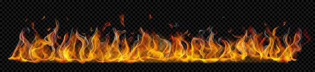 Lichtdurchlässige lange horizontale feuerflamme mit rauch auf transparentem hintergrund. zur verwendung auf dunklen hintergründen. transparenz nur im vektorformat