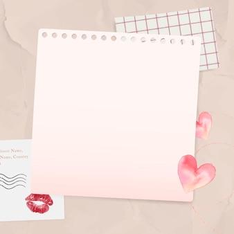 Liebesbriefpapier auf faltigem papierhintergrund