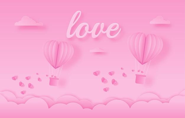 Liebeseinladungskarte valentinstagballonherz auf abstraktem hintergrund mit text der liebe, wolken, papierschnitt.