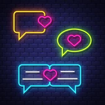 Liebesgesprächsblasen-neonzeichensammlung. liebe chat ballons zeichen. leuchtreklamen.