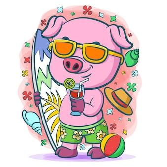 Lila schwein macht urlaub am strand zum surfen