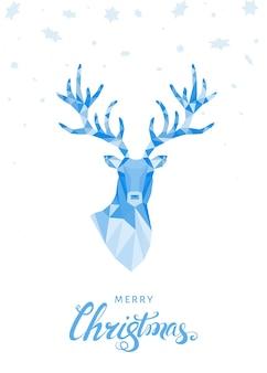 Low-poly-dreieck hirschkopf weihnachtsgrußkarte mit blauem rentier