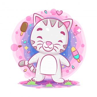 Lustige katze, die mit eiscremehintergrund steht und lächelt