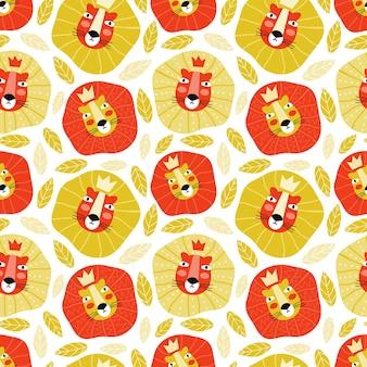 Lustige schnauze des könig der löwen in einer krone. hand gezeichnete wilde katze im nahtlosen muster des dschungels