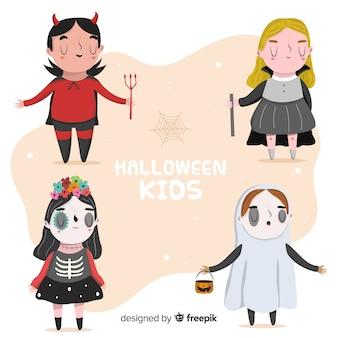 Lustige und nette halloween-karnevalskinder eingestellt