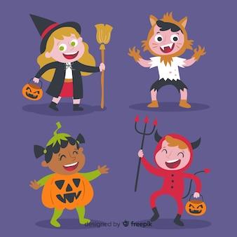 Lustige und niedliche halloween-kostümkinder eingestellt