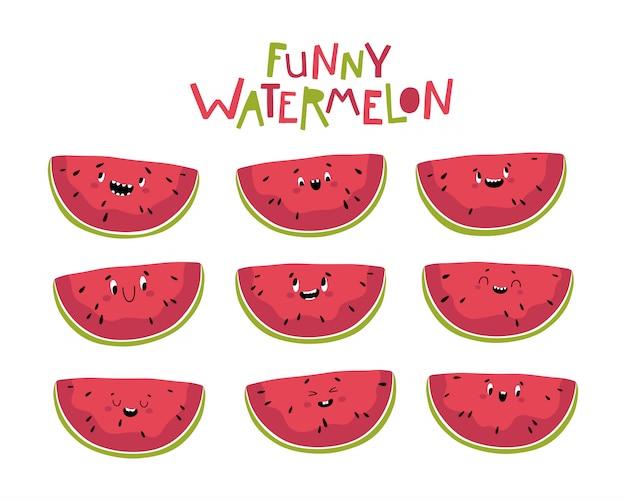 Lustige wassermelone. scheiben köstlicher sommerfrucht mit verschiedenen kawaii emotionen in einem niedlichen flachen cartoonstil. auf weißem hintergrund isolieren