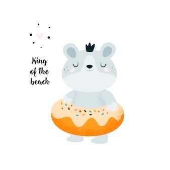 Lustiger kleiner babybär, der auf dem strand, pool sich entspannt. donut, teddybär. genieß den sommer