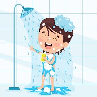 Lustiges kleinkind, das bad hat