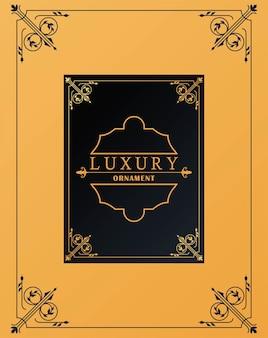 Luxuriöser goldener rahmen mit viktorianischem stil im gelben hintergrund