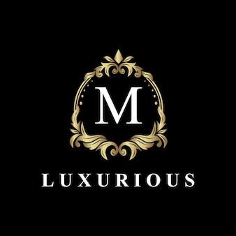 Luxus-logo-design mit monogramm buchstabe m, goldene farbe, luxus gedeihen