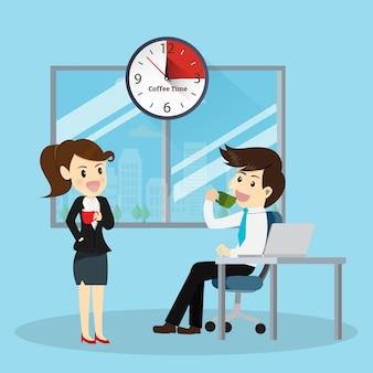 Machen sie eine pause kaffee am nachmittag für worker office