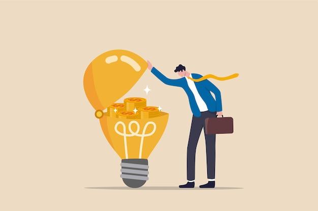 Machen sie geldidee, innovation oder technologieinvestition oder kreativität, um ein gewinnkonzept zu machen, ein intelligenter geschäftsmann öffnet eine helle glühbirnenidee und fand zusammengesetzte gewinngeldmünzen.