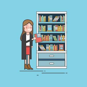 Mädchen, das ein Buch auswählt