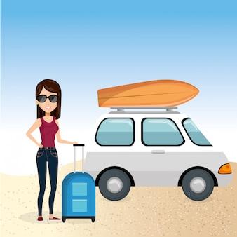 Mädchen am strand mit sommerferien
