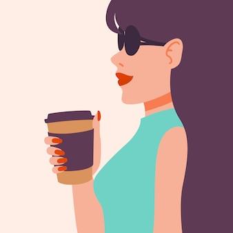 Mädchen, das kaffee trinkt.