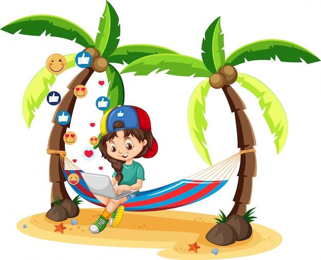 Mädchen im grünen hemd, das auf laptop mit kokosnussbaum-karikaturfigur auf weißem hintergrund sucht