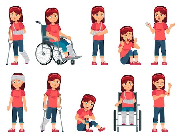 Mädchen mit verletzung. kind mit verletzter hand, nasenblut und gebrochenem bein oder hand in gips.