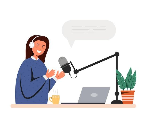 Mädchen nimmt podcast am mikrofon auf