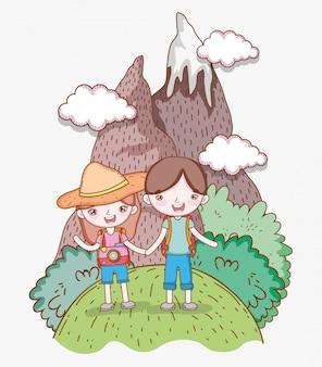 Mädchen und junge im berg mit wanderlustabenteuer