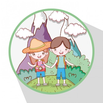 Mädchen und junge in den bergen mit bäumen und wolken