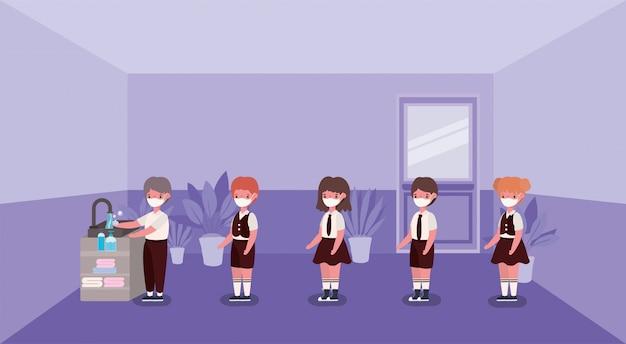 Mädchen und jungenkinder mit medizinischen masken, die hände waschen