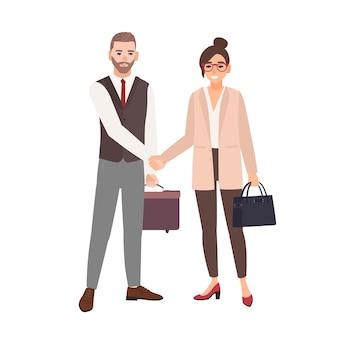 Männliche und weibliche geschäftspartner, angestellte oder büroangestellte geben sich die hand. professionelle zusammenarbeit zwischen kollegen, partnerschaft, vereinbarung.
