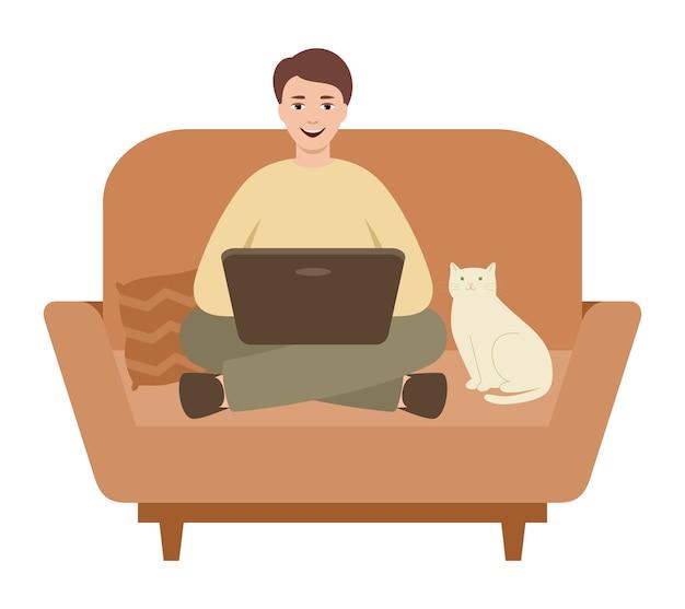 Männlicher freiberufler arbeitet an einem laptop