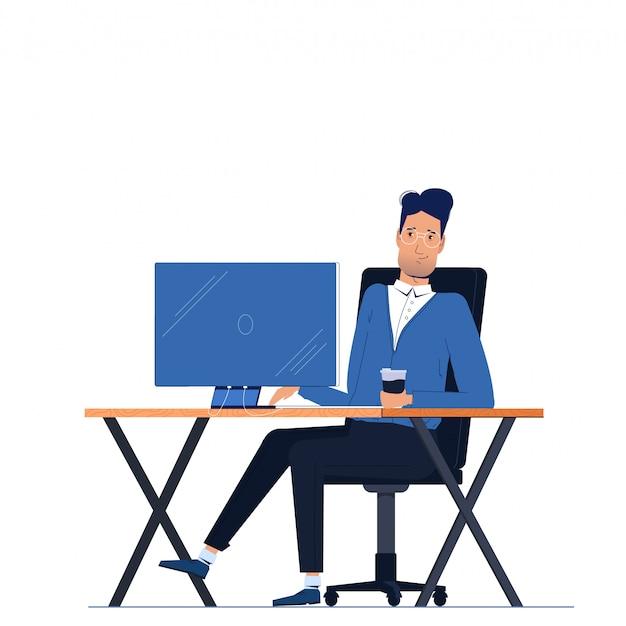 Männlicher geschäftsmanncharakter, der im büro hinter arbeitsplatz auf computermonitorschreibtisch sitzt.