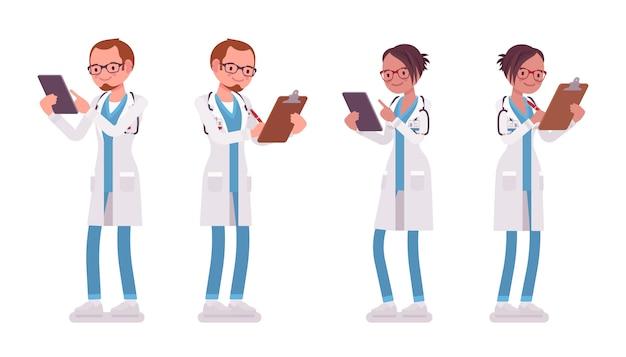 Männlicher und weiblicher arzt stehend. mann und frau in krankenhausuniform mit klemmbrett und tablette. medizin- und gesundheitskonzept. stilkarikaturillustration auf weißem hintergrund