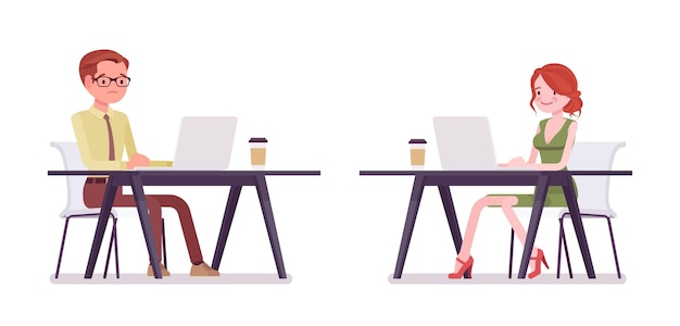 Männlicher, weiblicher angestellter, der mit laptop arbeitet