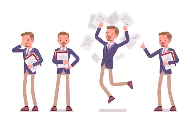 Männliches büro, das bei der papierarbeit hilft