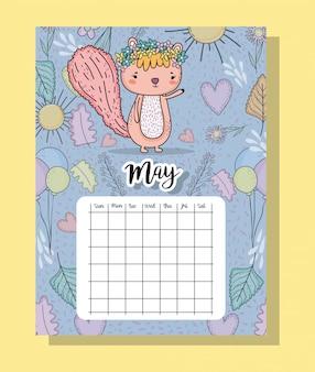 Mai kalenderinformationen mit eichhörnchen und blumen