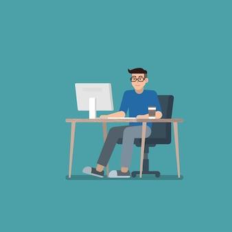 Mann, der an tischrechner arbeitet