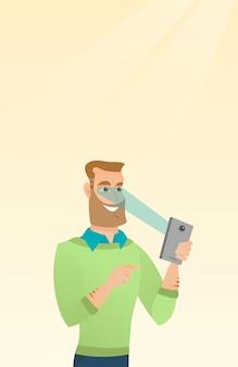 Mann, der iris-scanner verwendet, um seinen handy freizuschalten