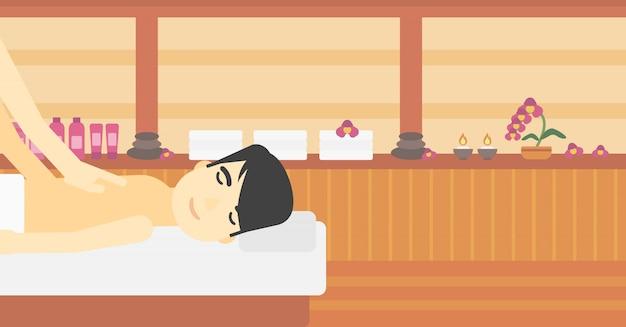 Mann, der massage empfängt