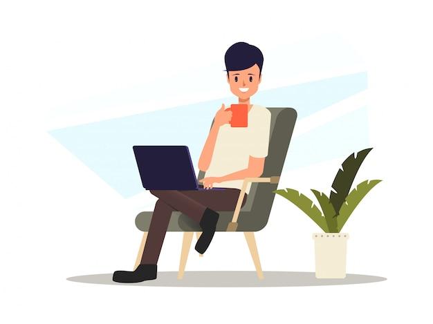 Mann, der mit einem freiberuflichen job des laptops arbeitet.