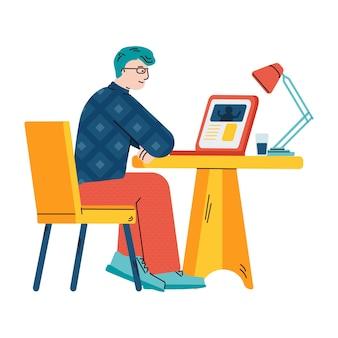 Mann, der video auf laptop betrachtet