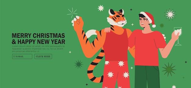 Mann feiert weihnachten oder neujahr mit freund im tigerkostüm